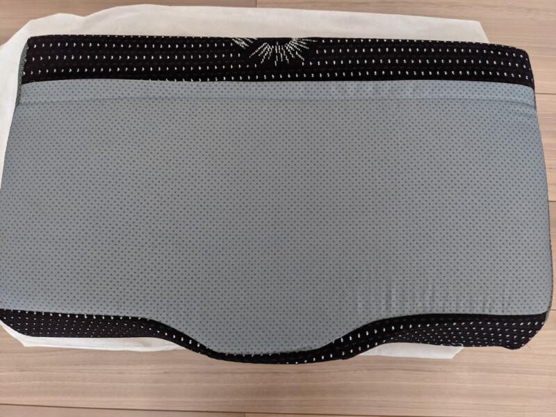 GOKUMINプレミアム低反発枕の裏面滑り止め加工